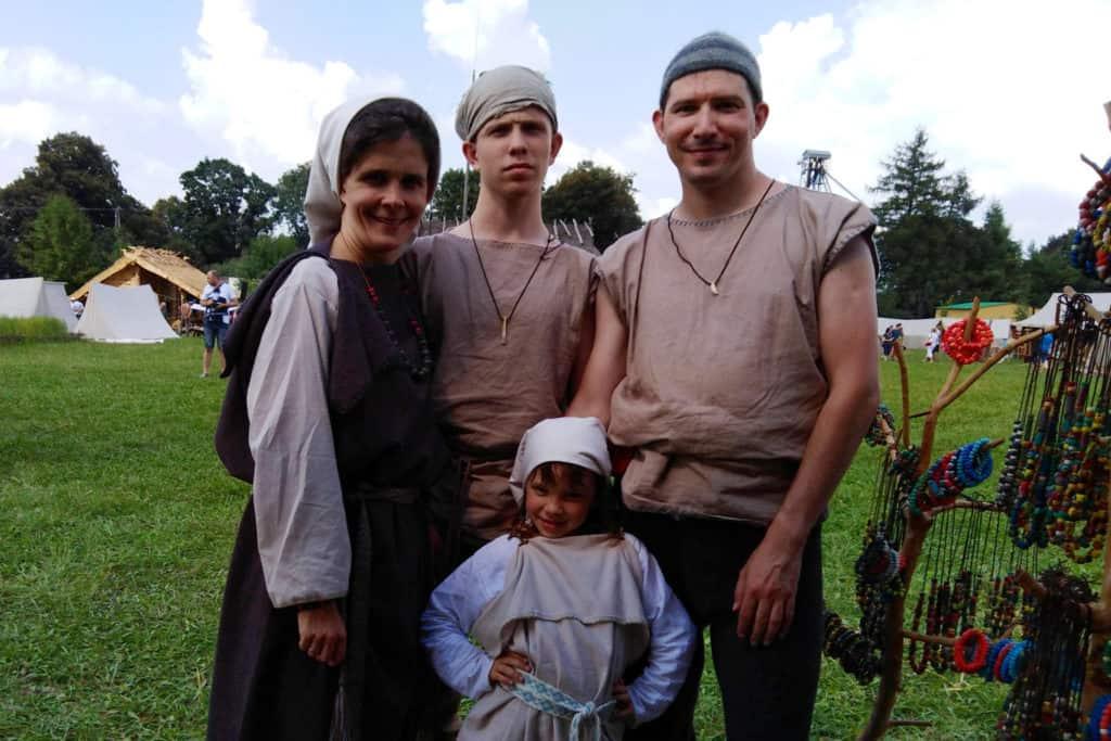 Rodzina Kurzaczy w Wiosce Gotów