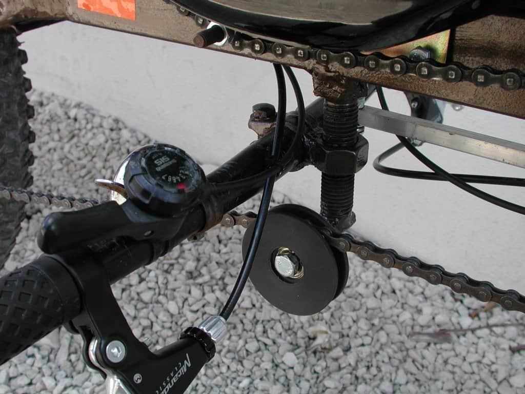 X-1 Swoop, detale układu kierowniczego